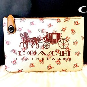 COACH Horse and Carriage Turnlock Pouch 26 (NWT)